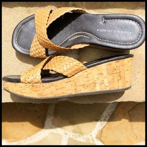 Donald Pliner Cork Wedges in Tan Woven Leather.